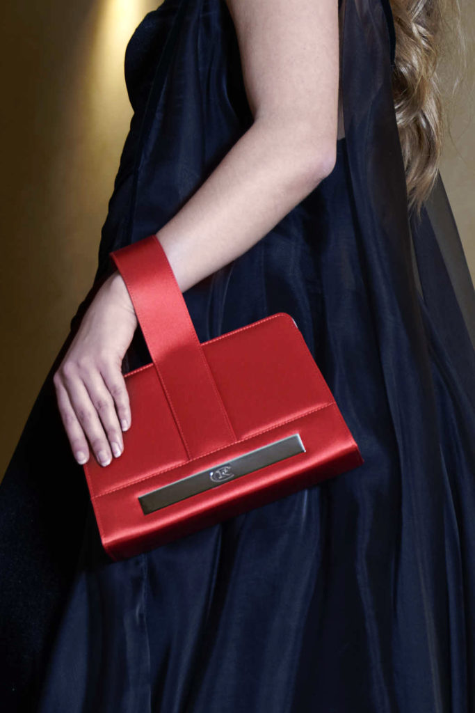 welovart-roland-chessel-couture-stylisme-credit-olivier-bain-sac-rouge
