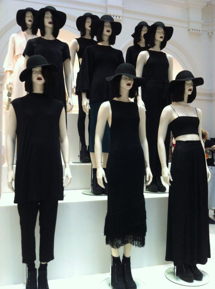 Elizabeth-Thomas-mannequins